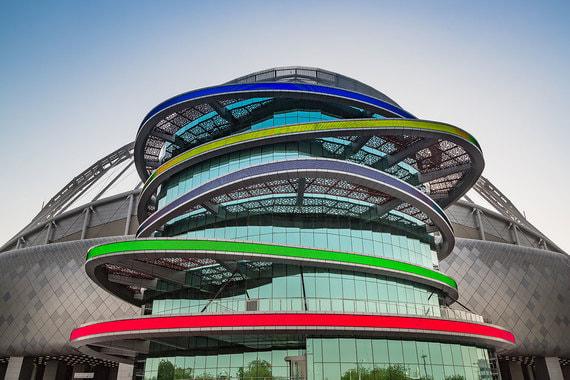 ЧМ-2022 пройдет на восьми стадионах. Другие семь арен помимо Халифы (на фото) уже строятся