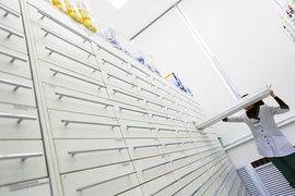 Выплаты производителей лекарств аптекам растут