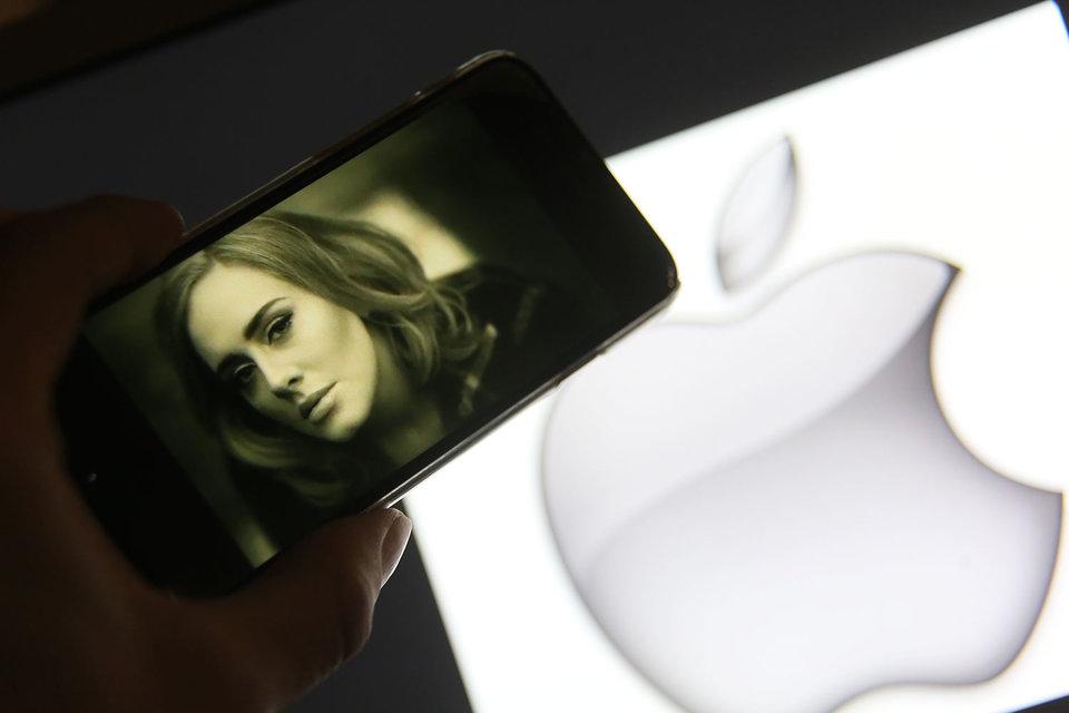 Apple может стать конкурентом голливудским киностудиям