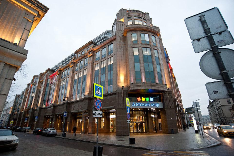 Прежде «Военторг» был архитектурной достопримечательностью, а теперь может стать памятником китайской экспансии в российскую недвижимость