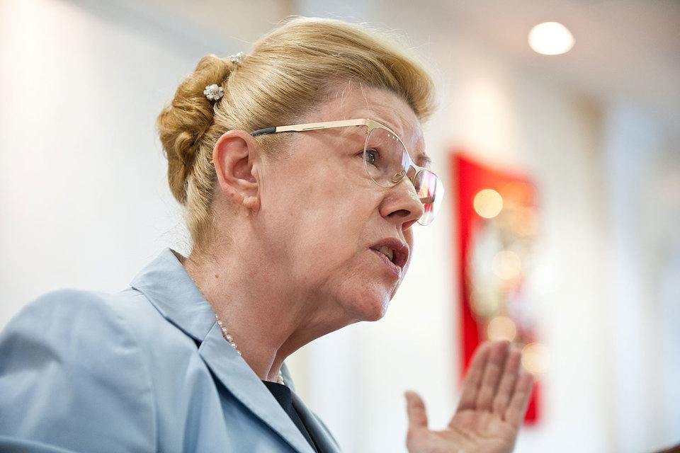 Госдума декриминализировала семейные побои в первом чтении, поддержав инициативу сенатора Елены Мизулиной
