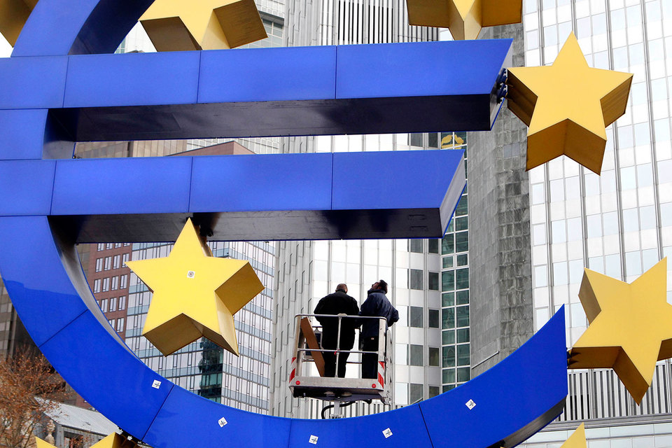 Экономика еврозоны пережила политические невзгоды