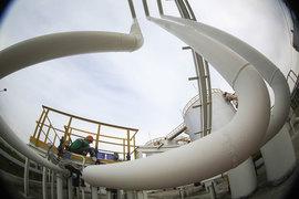 НДД взимается не с количества добытой нефти, как НДПИ, а с дохода от ее продажи за вычетом предельных расходов на добычу и транспортировку
