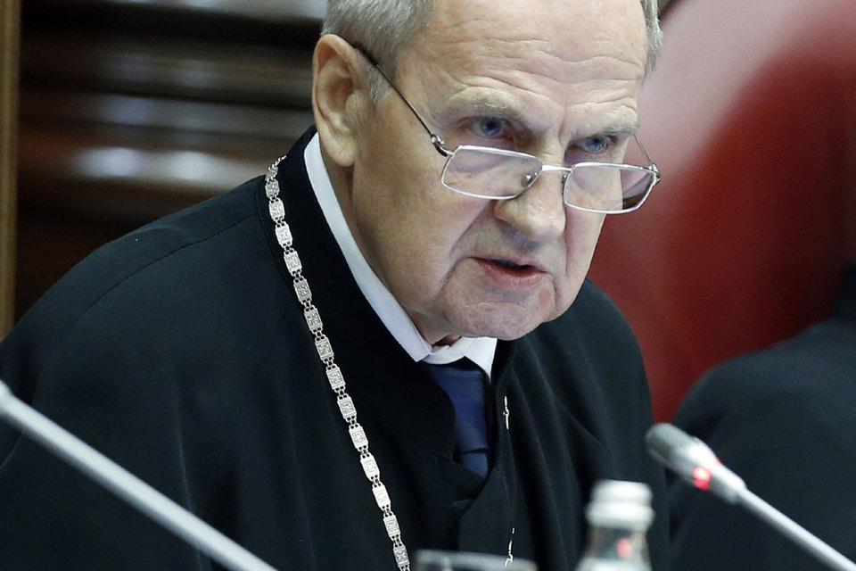 Валерий Зорькин защитил Конституцию от ЮКОСа и ЕСПЧ