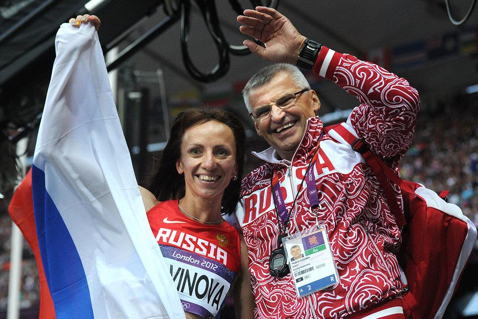 Владимир Казарин (справа) не является единственным отстраненным тренером, который продолжает работать со спортсменами