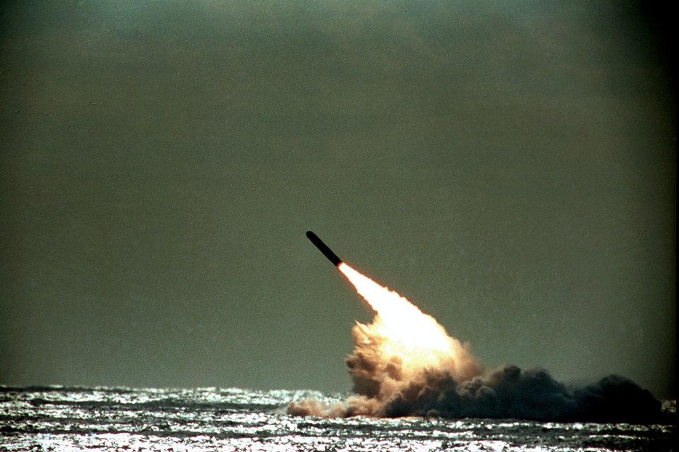 СМИ сообщили о провале испытания баллистической ракеты в Великобритании