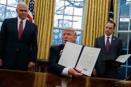 Трамп начал вывод США из Транстихоокеанского партнерства