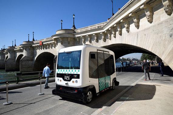 normal 1543 В Париже начались испытания беспилотных минибусов EZ10