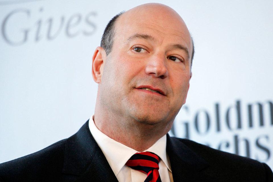 Goldman Sachs заплатит более $100 млн экс-президенту Гэри Коуэну, который теперь будет консультировать президента Дональда Трампа