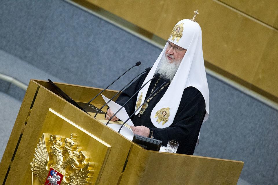 Патриарх Кирилл призвал Госдуму «поставить законодательную преграду» деятельности МФО в России
