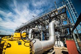 СП EuRoPol GAZ создано в 1993 г., владеет польской частью транзитного трубопровода Ямал – Европа