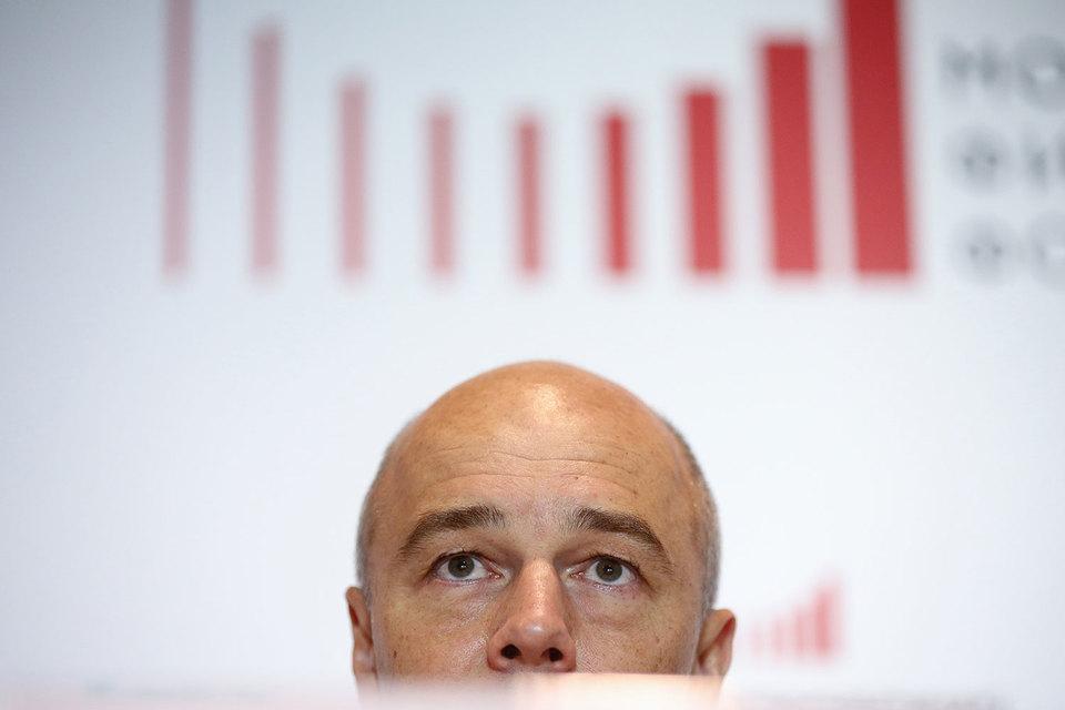 Министр финансов Антон Силуанов решил все-таки пополнить валютные закрома родины