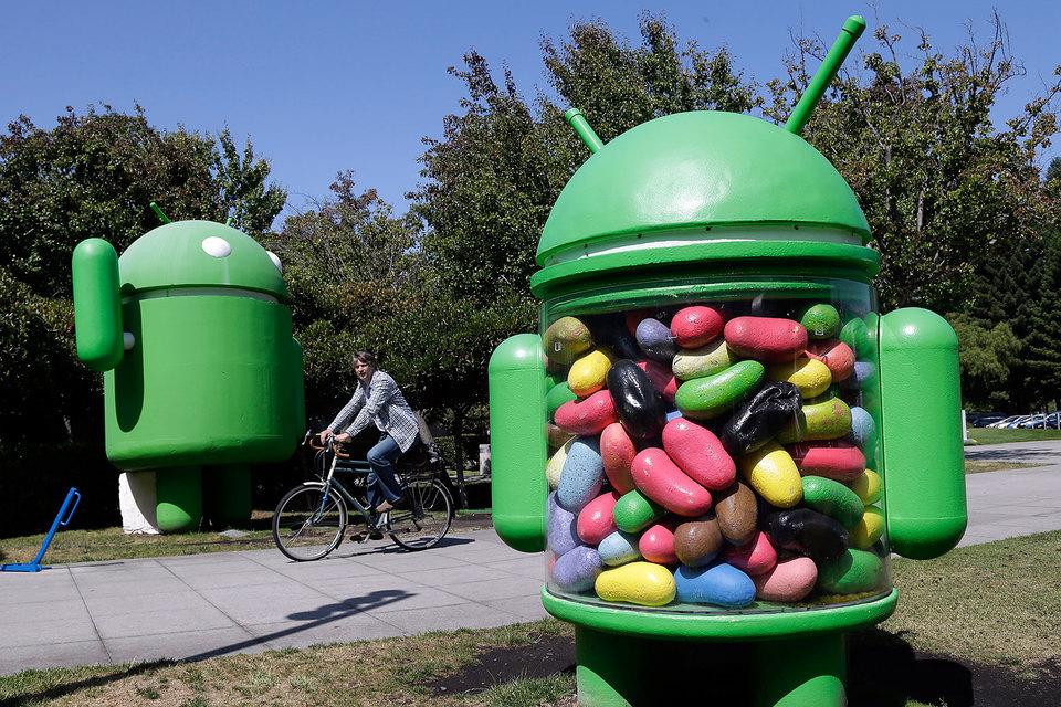 Google объявил, что вызывает своих сотрудников, находящихся за границей, обратно в США