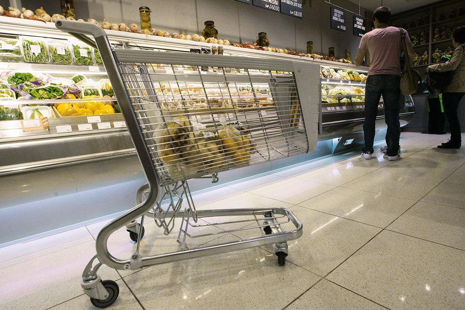 Как рассказывал осенью Занчурин, магазины будут совмещать продажу готовой кулинарии, еды в фабричной упаковке и товаров повседневного спроса