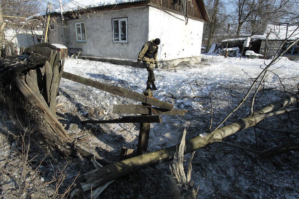 Последствия обстрела в городе Макеевке Донецкой области
