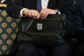 Небольшие фонды платят большие взносы, но при этом лоббисты больше учитывают мнение крупных игроков