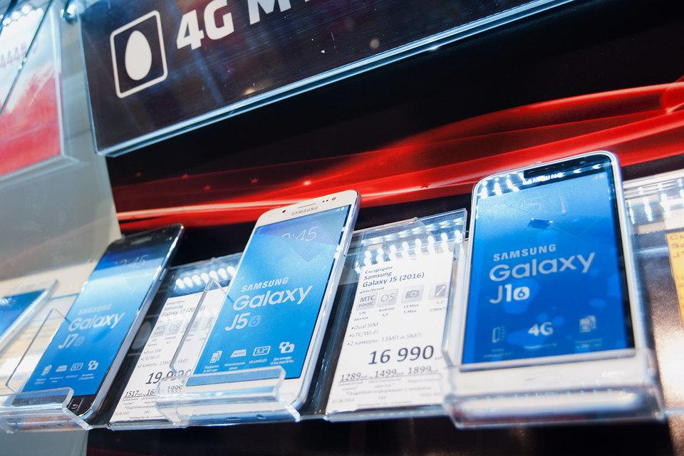 В декабре Galaxy J1 занял 5% российского рынка смартфонов в штуках