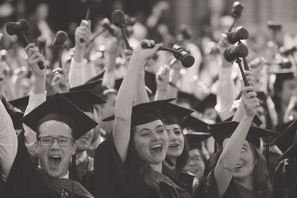 Гарвард не нуждается в разрешении Вашингтона или штата  Массачусетс, чтобы сформировать свою траекторию развития наследующее десятилетие