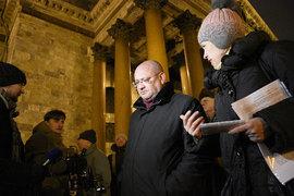 Эсер Максим Резник предложил не запрещать встречи с избирателями, а проверить действия Смольного, который не согласовывал депутатам заявку на митинг