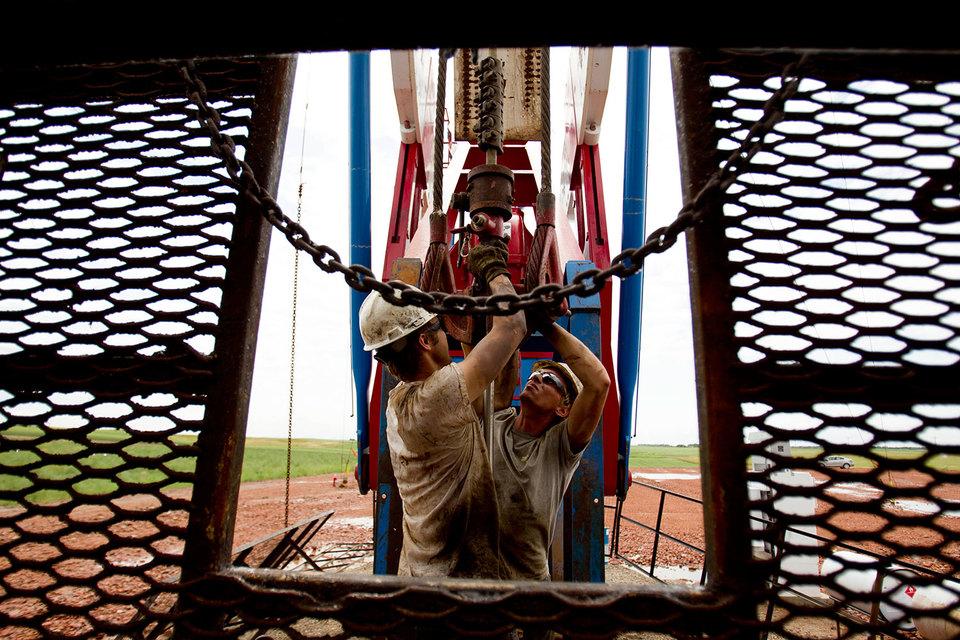 Относительно высокие цены в США заставят нефтяников искать и добывать больше нефти в стране