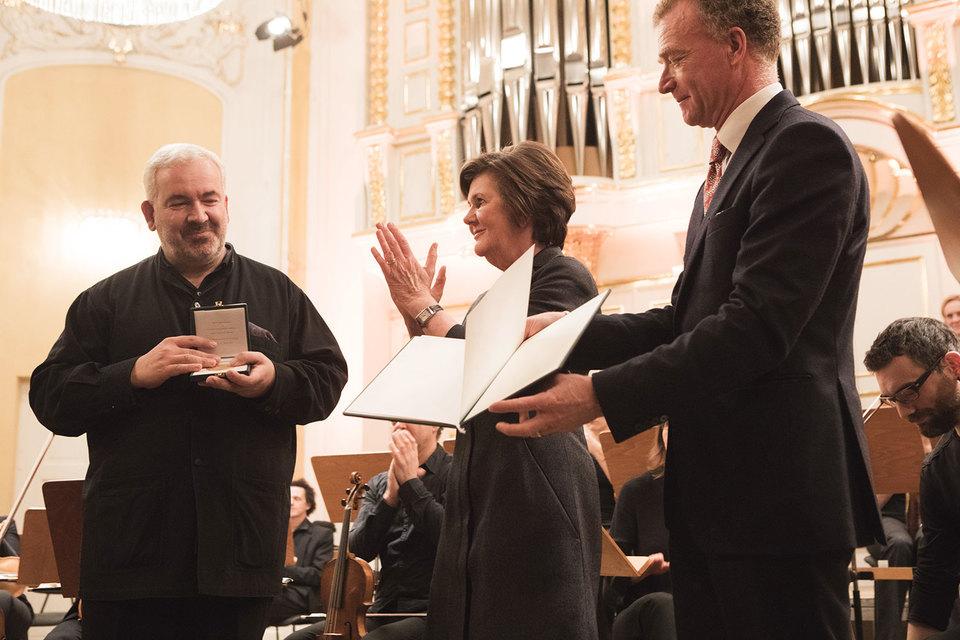 Дирижер Марк Минковски (слева) покинет пост интенданта Моцартовских недель с чувством выполненного долга