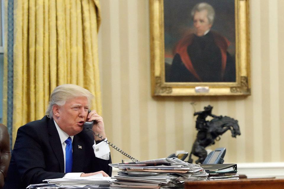Вместо запланированного часа беседа Трампа с премьер-министром Австралии Малкольмом Тернбуллом продолжалась 25 минут