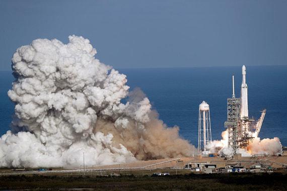 normal 7q2 SpaceX запустила самую мощную ракету в мире