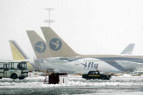 Авиакомпания I Fly потеряла треть парка из-за снегопадов