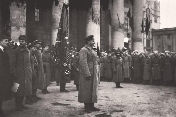 Как Лев Троцкий создал Красную армию и проиграл