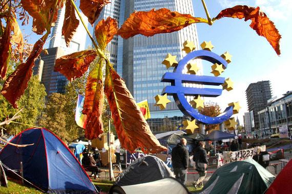 10. Многие страны выйдут из еврозоны (сила риска – 5): очень низкая вероятность, очень сильное влияние. Риск выхода Греции из еврозоны в среднесрочной перспективе не исчез, экономические проблемы в Италии в отсутствие структурных реформ со временем могут спровоцировать попытки покинуть блок