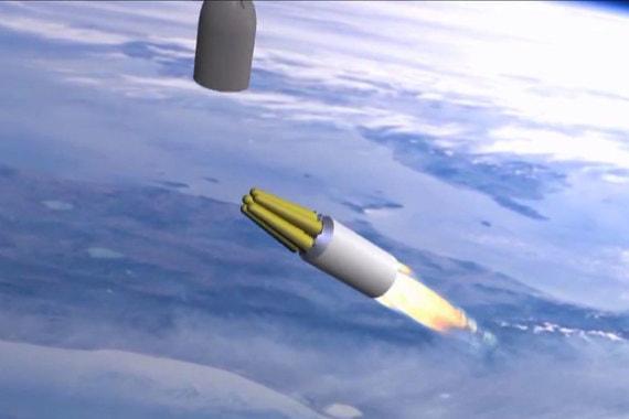 Ракета имеет увеличенную дальность (может запускаться через Южный полюс), большее количество боеголовок, чем «Воевода». «Сармат» имеет короткий активный участок полета, что затрудняет работу ПРО. Ограничений по дальности нет. Бросковые испытания проведены в конце 2017 г.