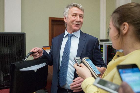 Тройку лидеров замыкает совладелец крупнейшего независимого производителя газа в России «Новатэка» и нефтехимического холдинга «Сибур» Леонид Михельсон, возглавлявший рейтинг в 2016-2017 гг. Его состояние оценивается в $18 млрд (+$1,9 млрд), в общемировом рейтинге Михельсон занимает 64-е место