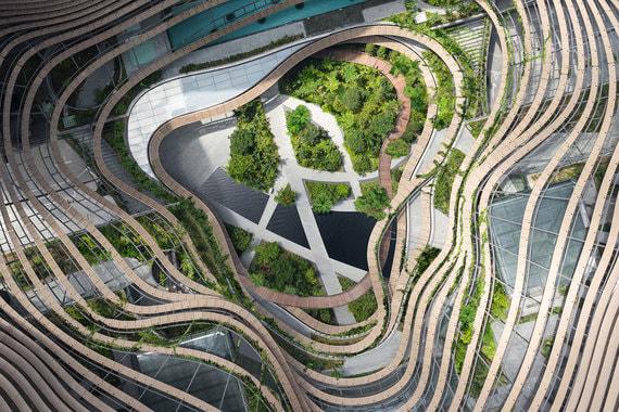 Лучшим инновационным зеленым зданием признали Marina One в Сингапуре. Комплекс (400 000 кв. м) выглядит как атриум с зеленой тропической флорой, основой которого являются две 30-этажные башни с апартаментами. В комплекс также входят офисы и бутики