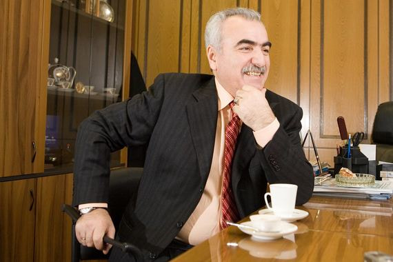 Крупнейший российский производитель сигарет оценен в 100 млрд рублей
