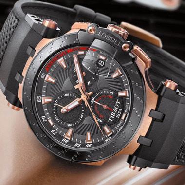 Своя версия часов с тахометром, указателем даты и индикациями час/ минуты/ секунды есть у Tissot. Модель изготовлена из стали с PVD-покрытием, позволяющим значительно дольше сохранять внешний вид материала