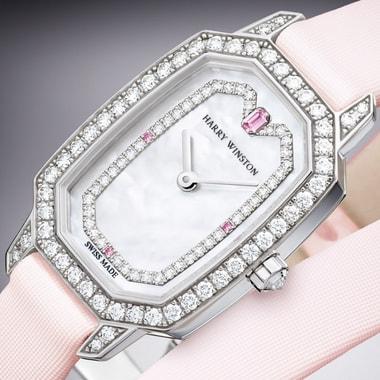 Ювелирные часы Harry Winston Emerald выполнены в стиле ар деко и украшены бриллиантами любимой маркой огранки «изумруд»