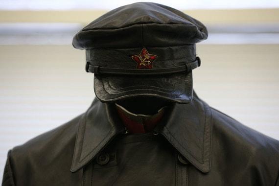 Форма одежды внутренней охраны ВЧК образца 1918-1922 гг.