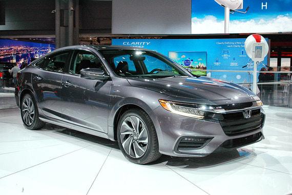 Предсерийная версия гибридного хетчбэка Honda Insight