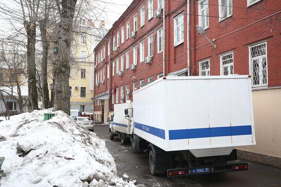 Около Тверского суда Москвы