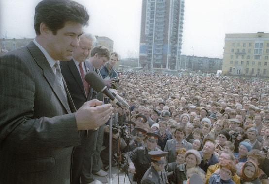 Май 1991 г.  Тулеев и Ельцин на  первомайском митинге в Новокузнецке