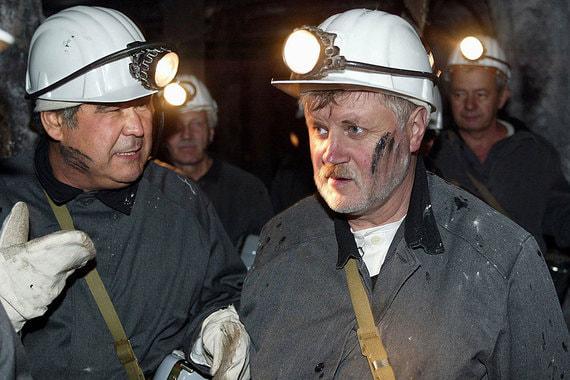Июль 2003 г. Председатель Совета Федерации Сергей Миронов и Аман Тулеев посетили шахту им. Кирова в городе  Ленинске-Кузнецком