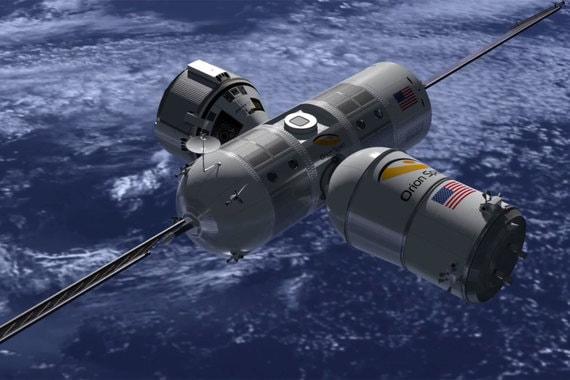"""«Вы пройдете месячный онлайн-курс, затем четырех-шестинедельный тренинг в Хьюстоне, штат Техас, и последняя стадия подготовки будет уже на борту """"Авроры"""". По ее завершении гости получат сертификат, который можно будет использовать для полетов в будущем», - заявил гендиректор Orion Span Фрэнк Бунгер"""