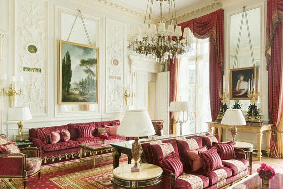 Гостиная в Suite Imperiale до и после реновации