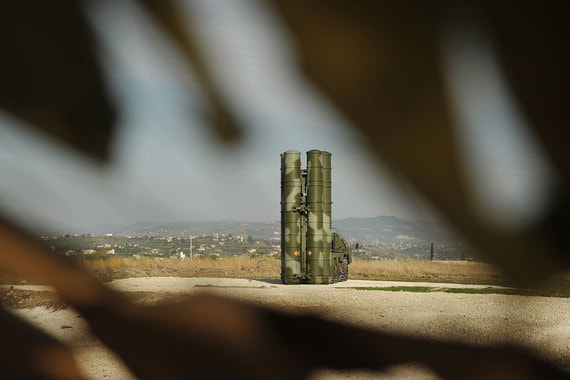 Зенитно-ракетные системы С-400 – два дивизиона, до 16 пусковых установок