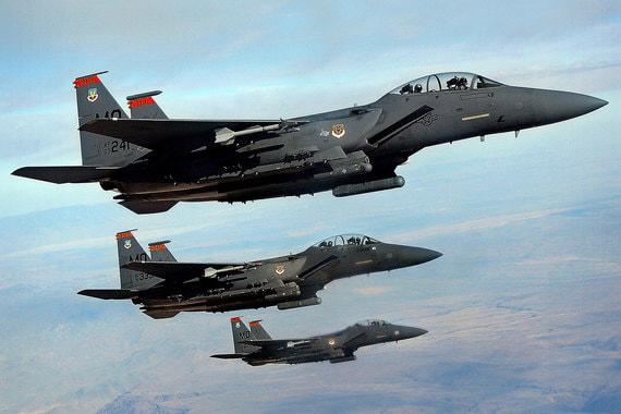 У США и союзников до 100 ударных самолетов. На фото  F-15