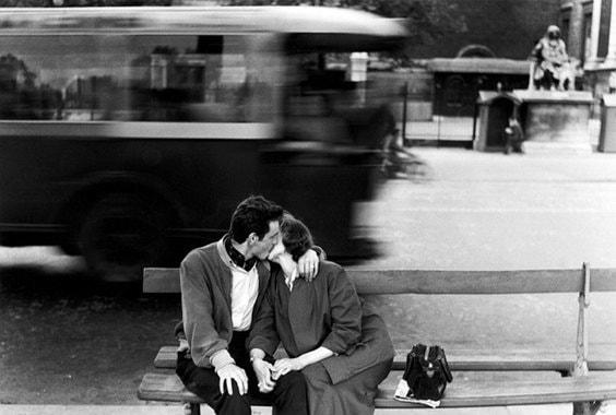 Еще две «итальянские» экспозиции - «Поэтика реальности» классика документальной фотографии Джанни Беренго Гардина (на фото) и «Фотография как перформанс» провокатора Пьеро Марсили Либелли