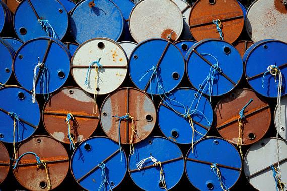 ОПЕК, Россия и ряд присоединившихся государств договорились в конце 2016  г. сократить добычу на 1,8 млн барр. в сутки, из которых 300 000 барр. в  сутки пришлось на Россию