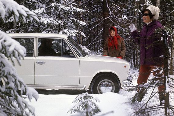 37 чиновников предпочитают российские автомобили ВАЗ/Lada