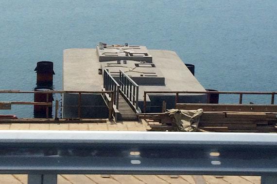 В некоторых местах готовы только опоры моста