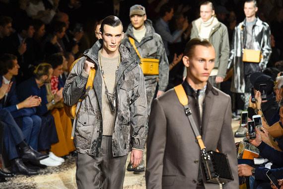 f96956823786 Последний для Кима Джонса показ в должности креативного директора Louis  Vuitton